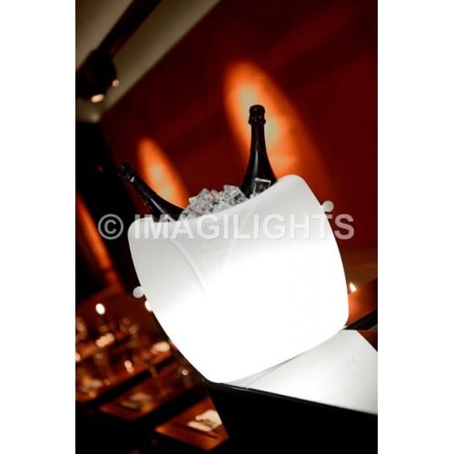 Φωτιζόμενη Σαμπανιέρα Marilyn | Ασύρματο LED | Αδιάβροχο LED | ImagiLights